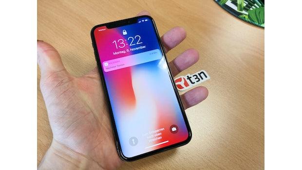 Das iPhone X hat einen smarten Privatsphäre-Modus – nur der Besitzer kann weitere Informationen auf dem Lockscreen ablesen. (Foto: t3n.de)