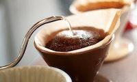 Guter Kaffee ohne Vollautomat und Siebträger – mit diesen Utensilien klappt's