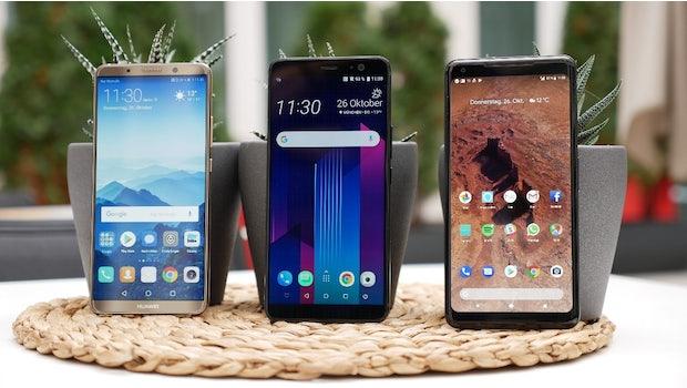 Huawei Mate 10 Pro, HTC U11 Plus und Pixel 2 XL (v.l.n.r.): Die drei Geräte sind in Sachen Performance etwa auf dem gleichen Level. (Foto: t3n)
