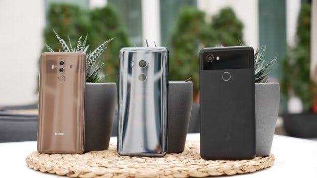 """Treffen der """"Großen"""": Huawei Mate 10, HTC U11+ und Google Pixel 2 XL. (Foto: t3n)"""