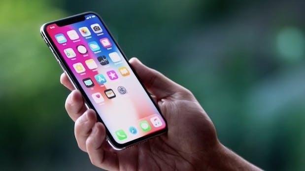 Künftige iPhone-Modelle könnten mit berührungsfreier Gestensteuerung und gebogenen Displays kommen