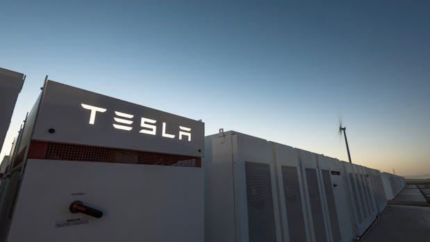 Wette gewonnen: Tesla baut größten Akku der Welt in nur 100 Tagen