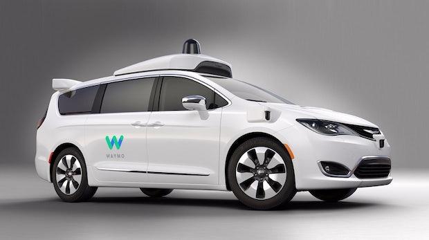 Tesla hängt bei selbstfahrenden Taxis meilenweit hinter Waymo zurück