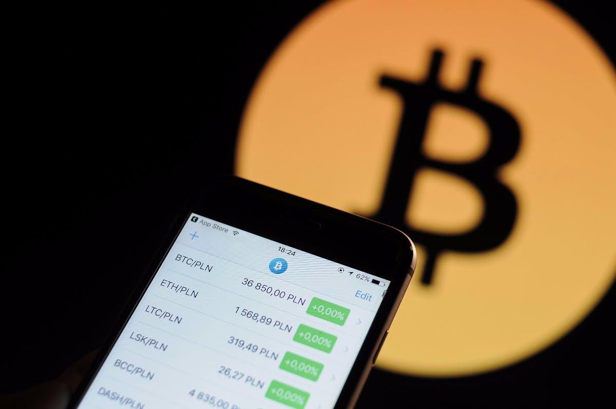 Bitcoin rutscht unter 7.000 Dollar und zieht den Krypto-Markt mit sich