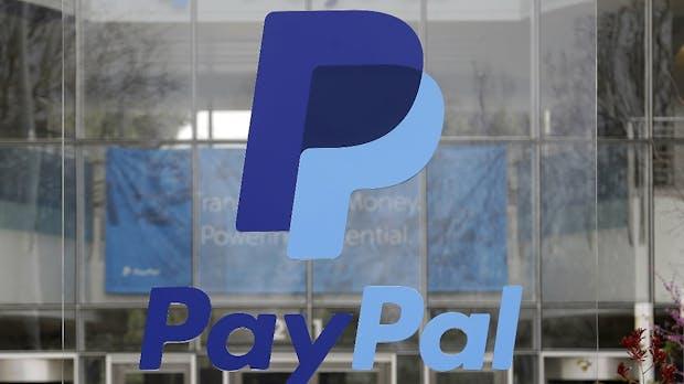 Geld abbuchen: Paypal führt Sofortüberweisung ein – gegen Gebühr