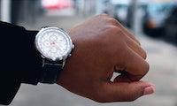 Diese Smartwatch zeigt dir Schritte und Kalorien auf klassischem Ziffernblatt