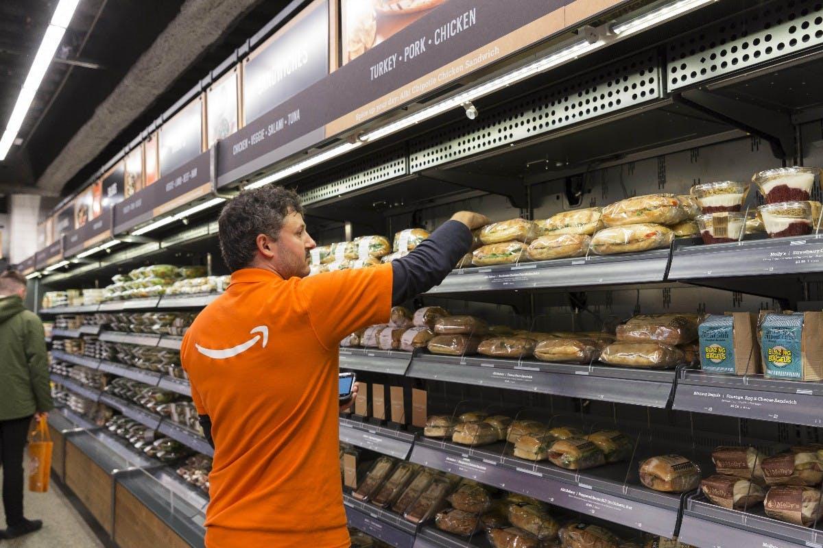 Amazon Go braucht mehr Mitarbeiter als ein normaler Supermarkt