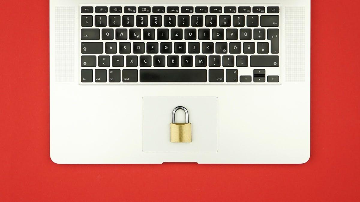 DSGVO? Keine Panik! Hol dir den Datenschutz-Guide von t3n! | t3n ...