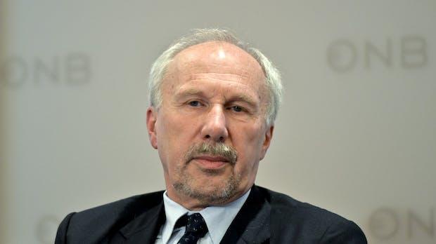 Österreichs Notenbankchef fordert Mehrwertsteuer und strenge Regeln für Bitcoin