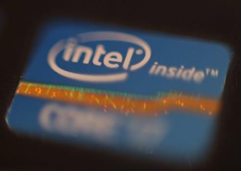 Intel liefert Rekordzahlen – Chips ohne Meltdown-Bug noch in diesem Jahr