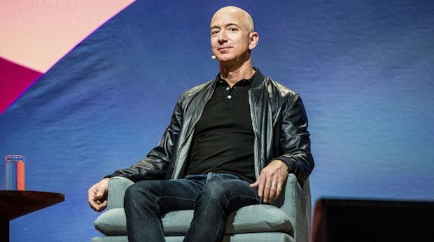 Diese Frage stellt sich Jeff Bezos vor schwierigen Entscheidungen