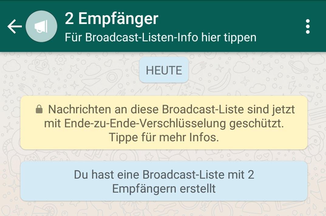 Whatsapp-Gruppen sind eine tolle Möglichkeit, um mit mehreren Kontakten gleichzeitig zu kommunizieren. Wenn ihr aber eine Nachricht an mehrere Kontakte versenden möchtet, ohne dass die jeweils anderen Empfänger das mitbekommen, dann eignet sich die Erstellung einer Broadcast-Liste dafür. Die jeweiligen Antworten der Empfänger erscheinen dann als individuelle Chats. Unter iOS wählt ihr dazu einfachBroadcast-Listenoben links in Whatsapp aus und erstellt dann eine neue Liste. Unter Android findet ihr die entsprechende Option im Hauptmenü.(Screenshot: Whatsapp)