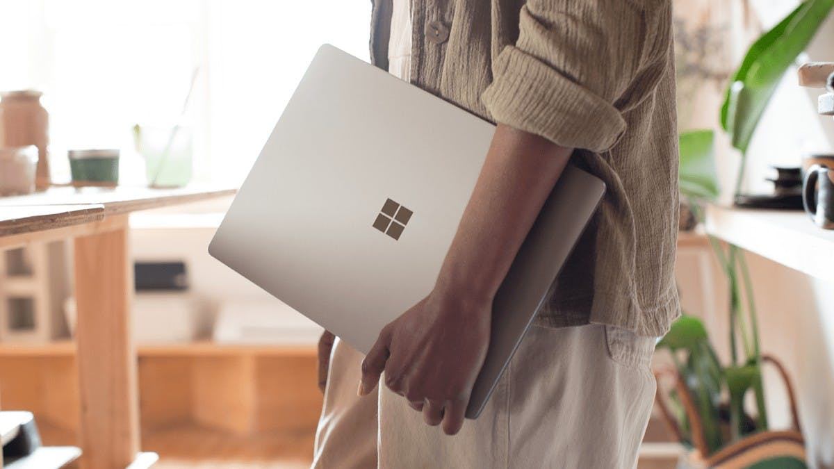 "Windows 10: Microsoft baut komplett neues Desktop-OS ""Polaris"""