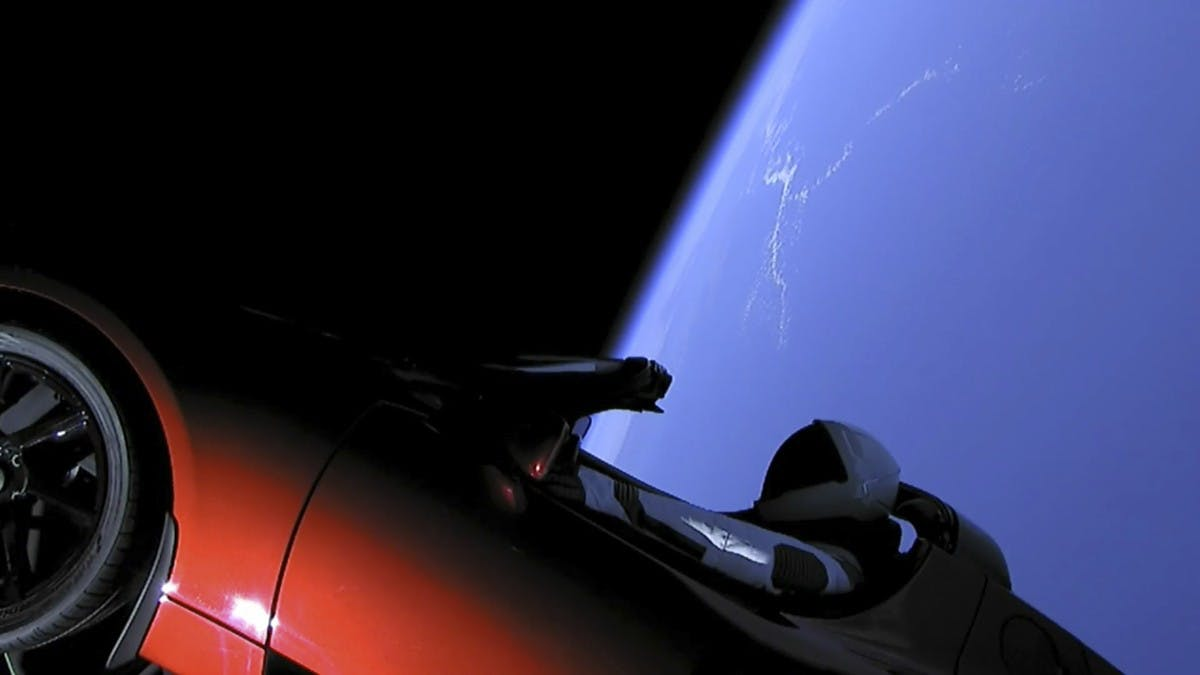 Falcon Heavy: SpaceX schießt Tesla ins All