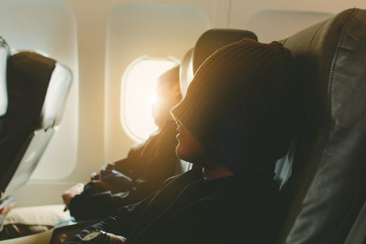 Die komplette Reisezeit einer Dienstreise ist Arbeitszeit – Urteil des Bundesarbeitsgerichts