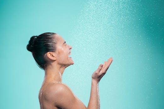 Kalt duschen führt zu weniger Krankheitstagen – sagt eine Studie unter 3.000 Teilnehmern