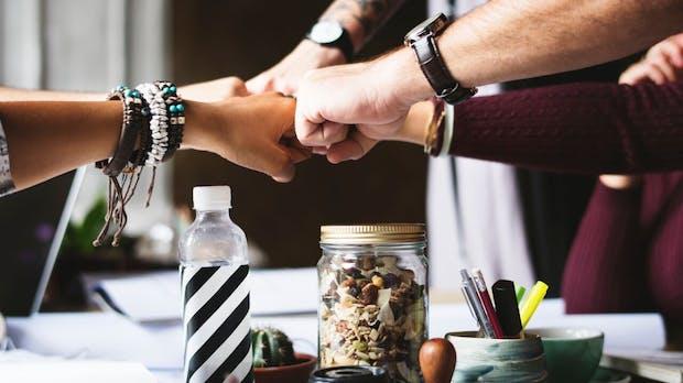 David gegen Goliath vs. das Beste aus zwei Welten – Wie Unternehmen und Startups voneinander profitieren können