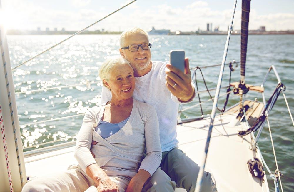 Skurille Stellenanzeige: Britische Webseite sucht Rentner für Reiseblogger-Job