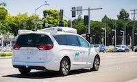 Kunde allein im Auto: Waymo One schickt fahrerlose Autos auf die Straße