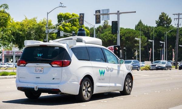 Selbstfahrende Taxis: Waymo transportierte im Juli über 6.000 Passagiere