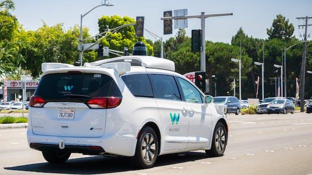 Google-Tochter Waymo hat über 6.000 Passagiere im ersten Monat befördert