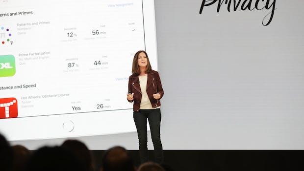 Susan Prescott stellt Schoolwork- und Classroom-Apps vor. (Bild: Apple)