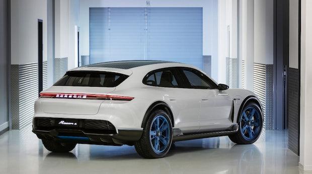 Mission E Cross Turismo: Porsche zeigt neues Stromer-CUV-Konzept