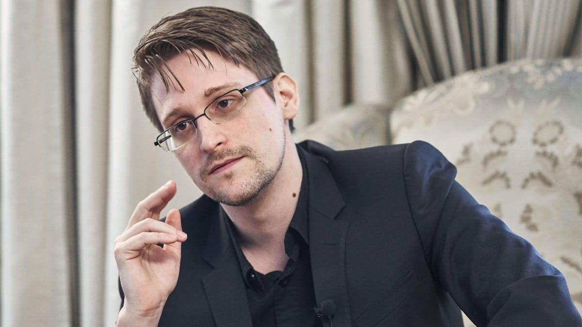 """Edward Snowden: """"Facebook ist eine Überwachungsfirma getarnt als soziales Netzwerk"""""""