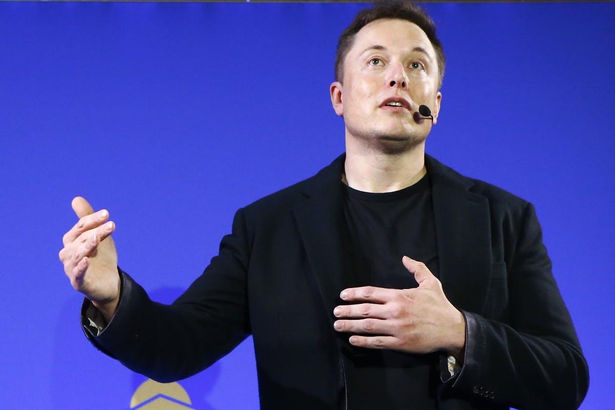 Tesla: US-Börsenaufsicht prüft Musk-Tweet