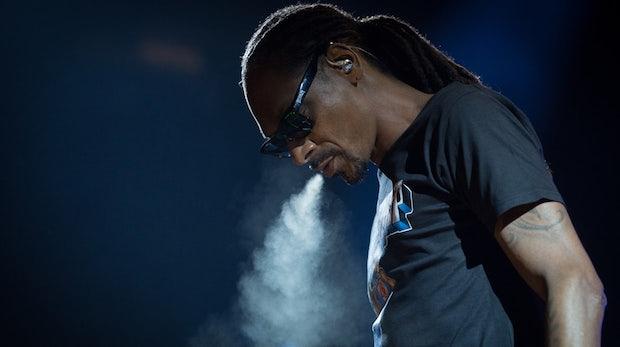 Nach jahrelanger Marktrecherche: Snoop Dogg investiert 45 Millionen Dollar in Kiffer-Startups