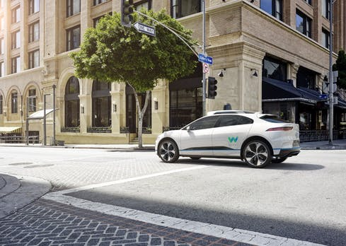 Waymo schließt sich Renault an: Selbstfahrende Taxis und Lieferdienste im Fokus
