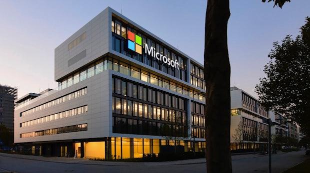Microsoft lässt euch Rechnungen bald direkt in Outlook begleichen