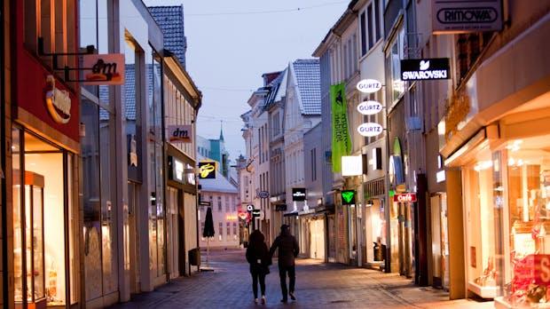 Umsätze im Handel 2018: Onlinehandel wächst, Einzelhandel stagniert