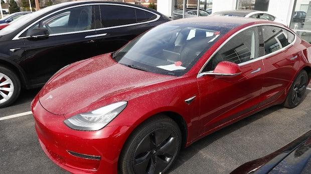 Erfolg mit Model 3: Tesla ist wieder mehr wert als BMW