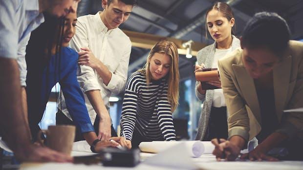 Digital Shapers: Junge Talente lösen Probleme von Großunternehmen