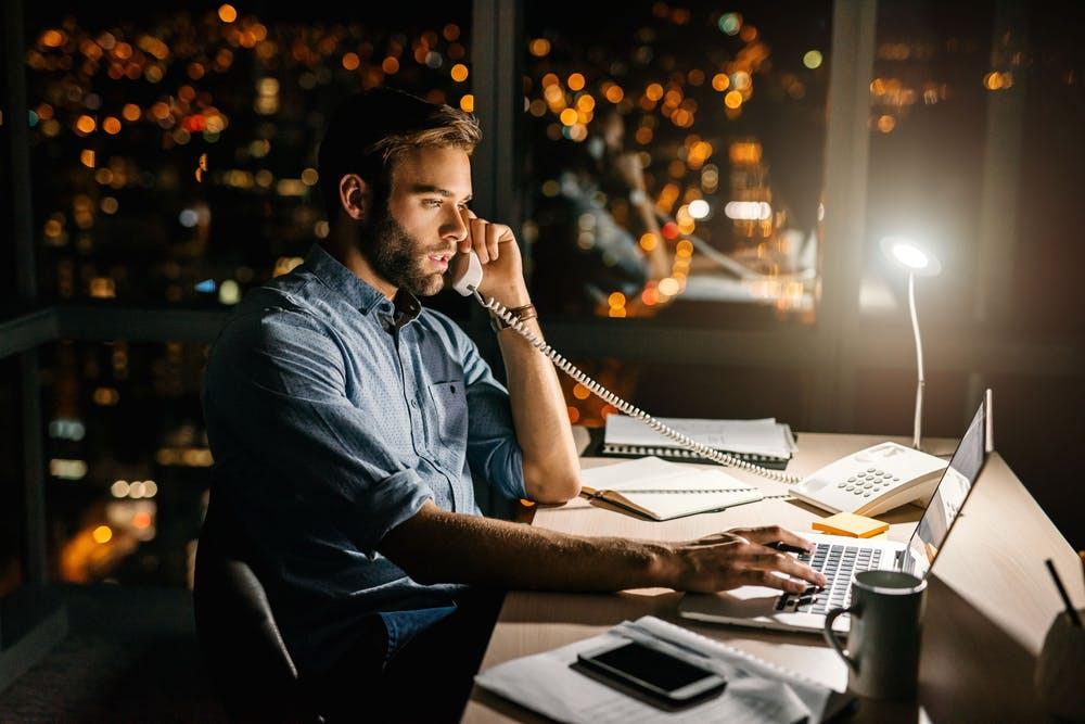 Gehaltsstudie 2018: Nur die Hälfte der Arbeitgeber gleicht Überstunden aus