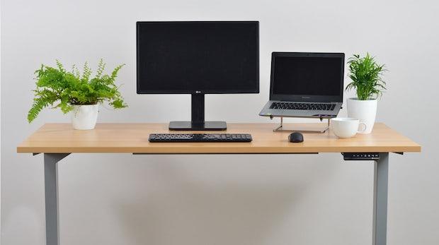 h henverstellbare schreibtische die 6 besten steher f rs. Black Bedroom Furniture Sets. Home Design Ideas