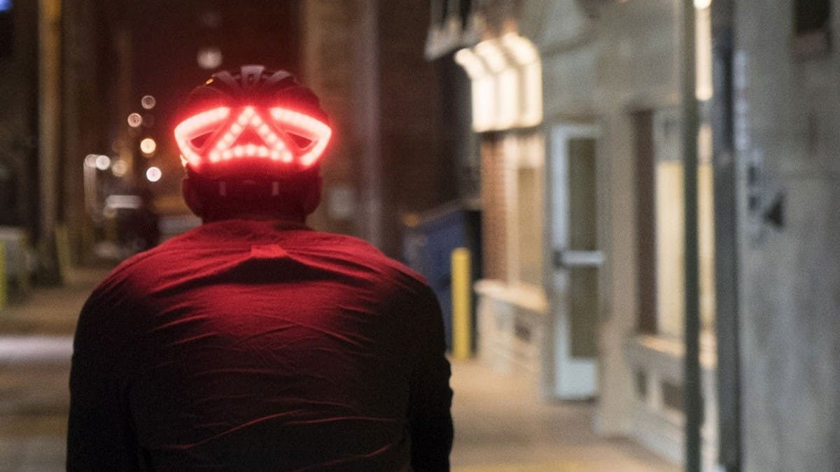 Blinken per Apple-Watch: Apple verkauft smarten Lumos-Fahrradhelm