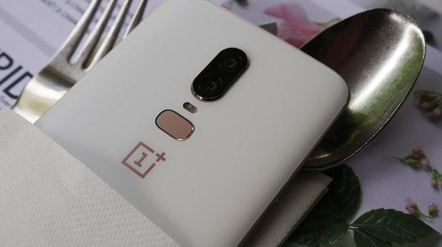 Oneplus 6 ist offiziell: Schickes High-End-Smartphone im Glasgehäuse