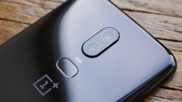 Smartphones im Test: Stiftung Warentest kürt Oneplus 6 zum Klassensieger
