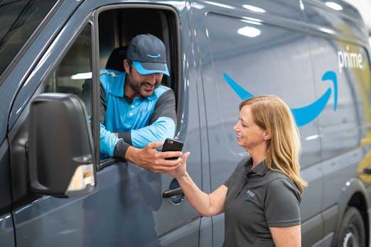 Amazon überrollt mit 20.000 Lieferfahrzeugen die Paketdienste