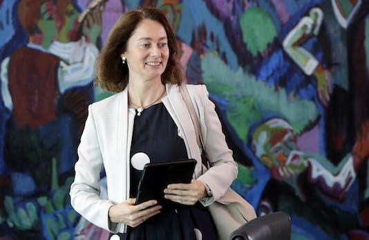 Laut Bundesjustizministerin Katarina Barley sollte die zwei-Faktor-Authentifizierung zum Standard gemacht werden