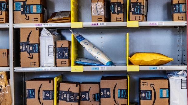 Amazon füllt die Lager: Coronavirus soll Lieferketten nicht unterbrechen