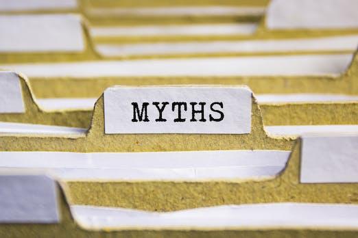 Diese 2 Mythen um den Arbeitsvertrag halten sich hartnäckig – sind aber falsch