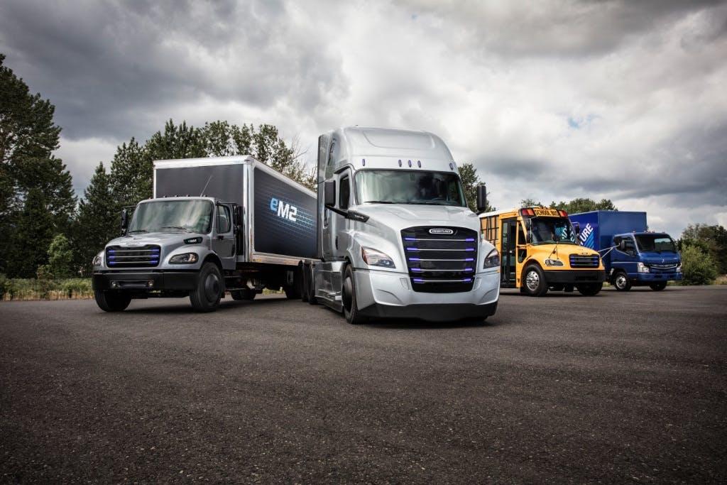 Daimler stellt zwei neue E-Lkw vor und arbeitet weiter an vollautonomen Trucks
