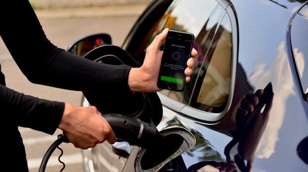 Für alle Marken: Porsche startet digitalen Ladeservice für Elektrofahrzeuge