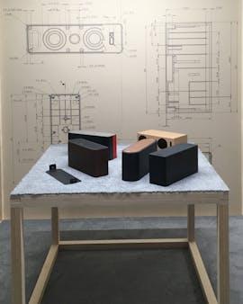 Symfonisk: Ein Tisch voll mit möglichen WLAN-Lautsprecher-Designs. (Foto: Ikea)