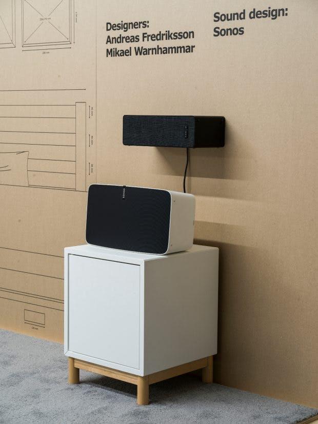 Die Ikea Symfonisk-WLAN-Speaker lassen sich auch als Regal benutzen. (Foto: Ikea)