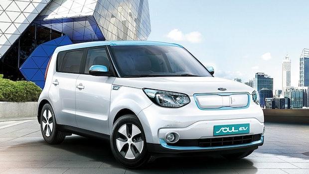 Der südkoreanische Hersteller Kia hat mit dem Soul EV eine Elektrovariante seines SUV im Portfolio. Seit 2015 ist das E-Auto in Europa erhältlich und ähnelt optisch einem Minivan. Der Wagen besitzt eine Reichweite von 212 Kilometern und erreicht eine Höchstgeschwindigkeit von 145 Stundenkilometern. (Bild: Kia)