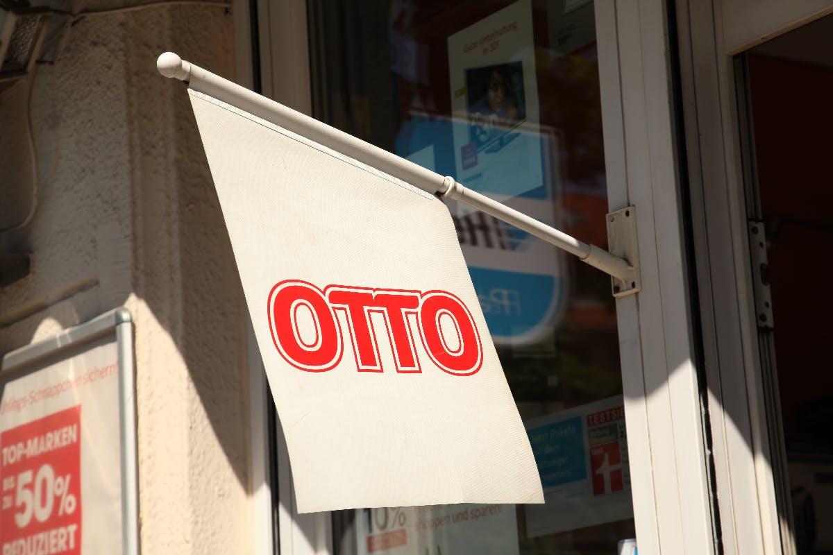 Otto-Chef teilt gegen Amazon und Jeff Bezos aus